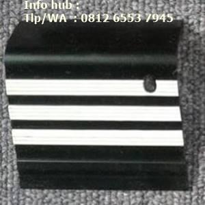 Pengaman siku tangga karet hitam lis putih